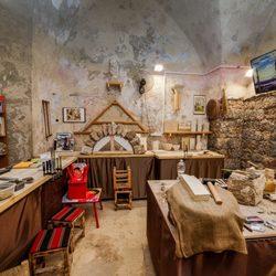 אלמדרסה סטודיו מסורתי לפיסול סיתות באבן ושיטות בניה עתיקה לוגו