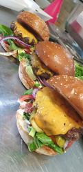 תמונות בורגר מי burger me