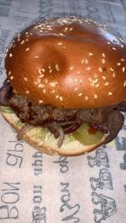 Mburger לוגו