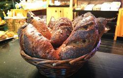 תמונות המוציא לחם