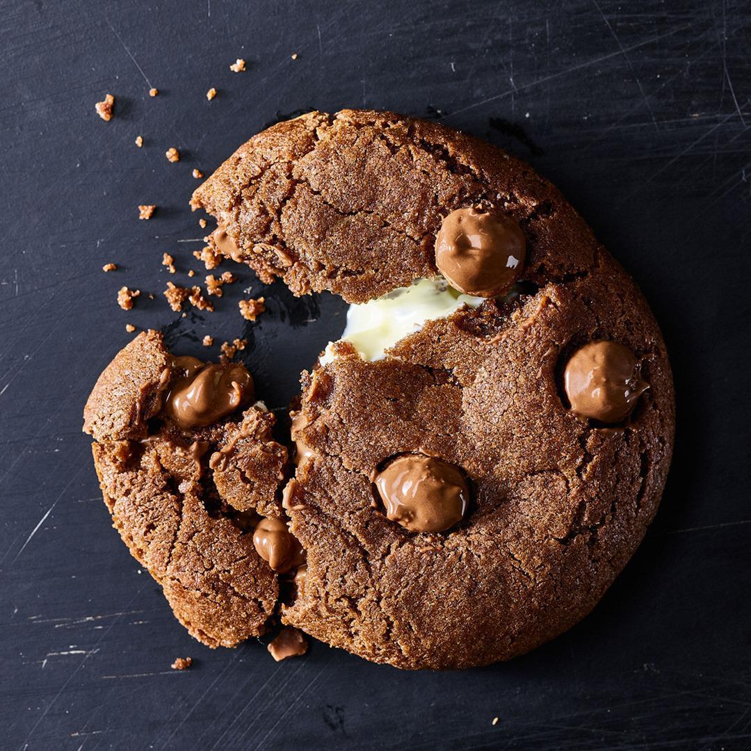 עוגיית אמסטרדם, עוגיית שוקלד צ׳יפס קקאו במילוי שוקולד לבן