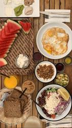 ארוחת בוקר יחיד, אבטיח, סלט יווני