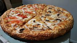 תמונות פיצה וינו