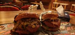 תמונות The Burger Place